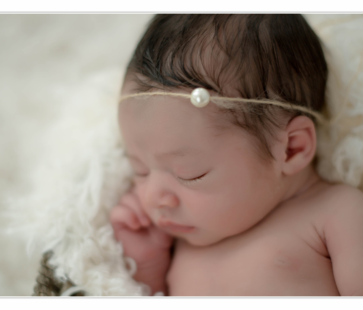 Newborn Photographer / NH / Millyard Studios
